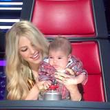 """13. April 2013  Milan darf seine Mama zu den Proben von """"The Voice"""" begleiten. Shakira ist als Jurorin dabei und zählt schon früh auf die Meinung ihres Babys."""