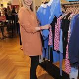 Janin Reinhardt ist in GALA-Shopping-Laune.