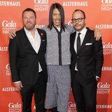 Jorge Gonzalez ist nur einer von vielen Star-Gästen, die GALA-Chefredakteur Christian Krug (l.) und Alexander Franke im Alsterhaus begrüßen können.