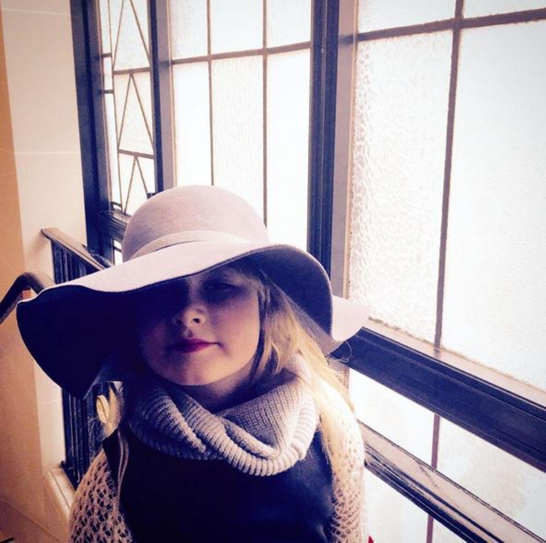 14. April 2016  Stella McDermott hat sich für einen Stadtbummel durch Kopenhagen schick gemacht.