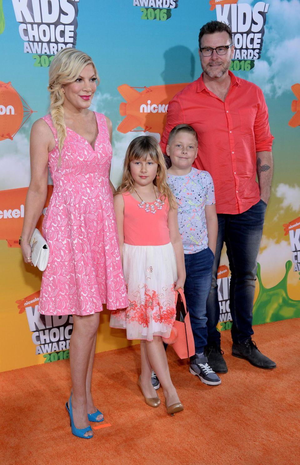Tori Spelling und Dean McDermott wollen sich die Preisverleihung mit ihren Kindern Stella und Finn anschauen.