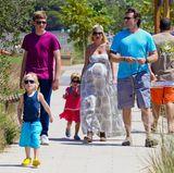 April 2011  Hochschwanger ist Tori Spelling mit ihrer gesamten Familie auf dem Weg zu einem Rummel in Miami, bei dem es nur ums Essen geht.