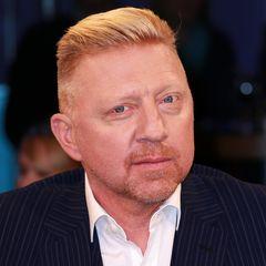 Kein Phantom, sondern der echte Boris Becker, der sich mit einem verschärften Profil durch seinen modischen Undercut präsentiert.