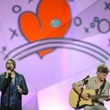 """Die Herzen der Zuschauer könnten ByeAlex durchaus zufliegen: Für Ungarn singt er das verträumte """"Kedvesem"""". Ein Lied, das er selbst komponiert hat."""
