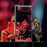 """Im vergangenen Jahr wurde der Eurovision Song Contest noch in seiner Heimat ausgetragen. Diesmal versucht Farid Mammadov mit """"Hold Me"""" den Sieg wieder nach Aserbaidschan zu holen - auch wenn die Kaukasusrepublik geografisch gar nicht zu Europa zählt (... aber Mitglied der Europäischen Rundfunkunion ist)."""