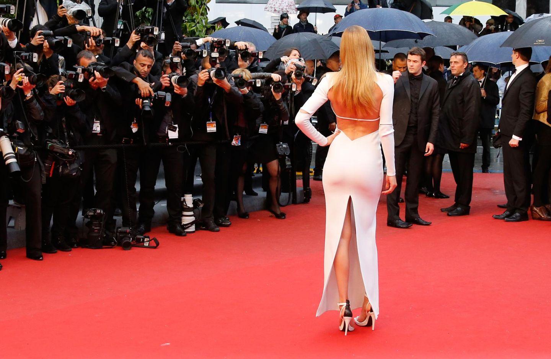 Diese bezaubernde Rückenansicht gehört zu Model Doutzen Kroes.