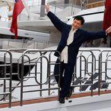 """Jackie Chan ist beim Fototermin zu """"Skiptrace"""" ganz in seinem Element."""