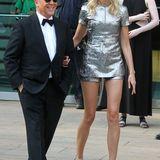 Designer Michael Kors hat Karolina Kurkova eingekleidet.