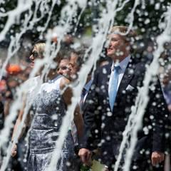 Als Kronprinz erwarb sich Willem-Alexander den Ruf eines Experten für Wasserwirtschaft. In Stuttgart begegnet ihm kein Wasserproblem, sondern nur der Brunnen im Hof des Neuen Schlosses.