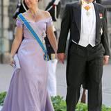 Die kleine Schwester von Kronprinz Haakon von Norwegen, Märtha-Louise, strahlte in ihrem fliederfarbenen, mit Pailletten besetzten Kleid an der Seite ihres Mannes Ari Behn.