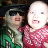 Die Vermutung liegt nahe, dass dieses Baby kein Fan von Lady GaGa ist.