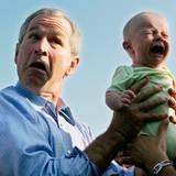 Filmleute wissen: Kinder und Tiere sind unberechenbar. George W. Bush weiß jetzt: Nicht alle Babys wollen sich gern mit Politikern fotografieren lassen.