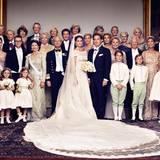 Das Hochzeitspaar mit seiner Familie