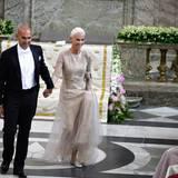 """Marie Fredriksson von """"Roxette"""" singt ein Ständchen für das Hochzeitspaar."""