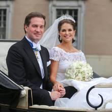 Chris und Madeleine haben in der Kutsche Platz genommen.