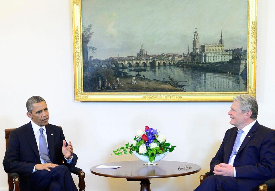 Während seines Besuchs in Deutschland stehen für Barack Obama die Gespräche - hier mit Bundespräsident Joachim Gauck - an erster Stelle.
