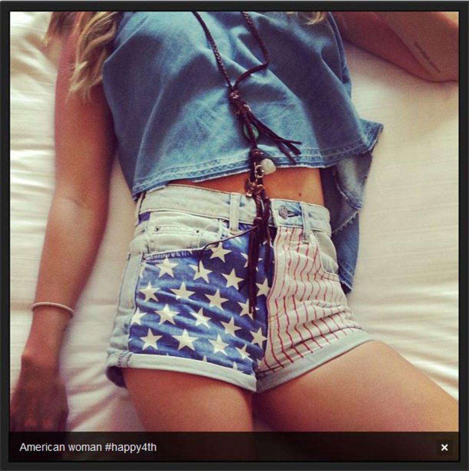 Ashley Tisdale zeigt uns auf Instagram ihr Independence-Outfit.