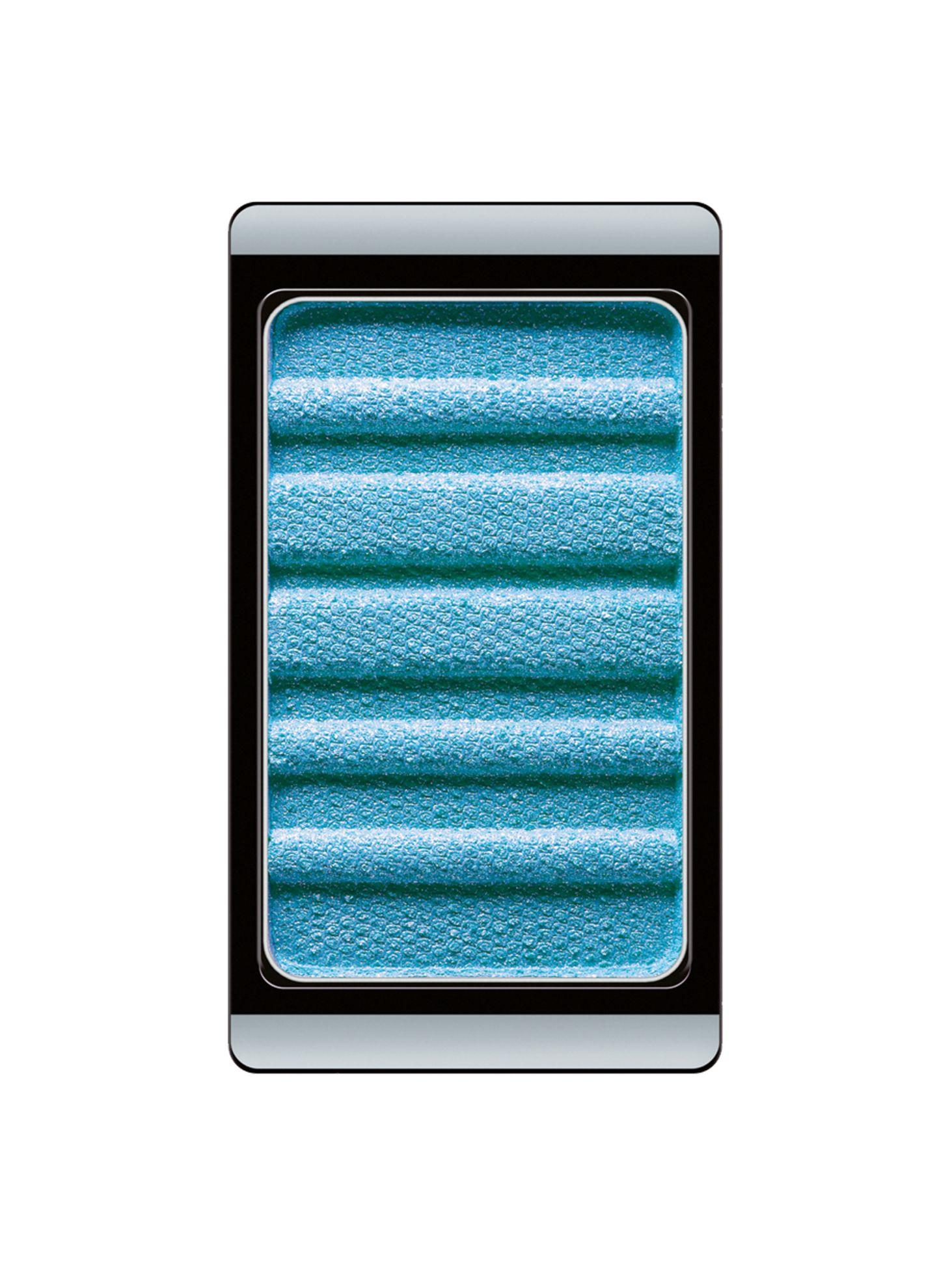 """Für leuchtende Lider: """"Blue Ice Cube Nr. 426""""-Eyeshadow aus der """"Color & Art Collection"""". Von Artdeco, ca. 5 Euro"""