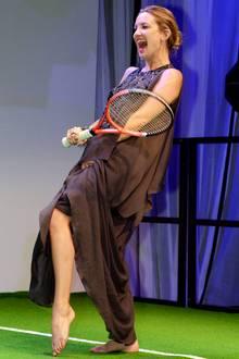 Kate Hudson macht auch beim Tennisspielen eine gute Figur.