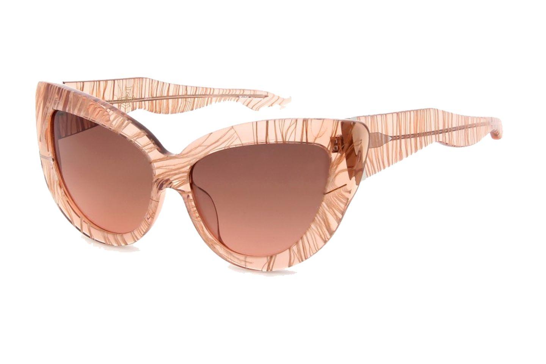 Federleicht: Brille von Charlotte Olympia, über www.mytheresa.com, ca. 290 Euro