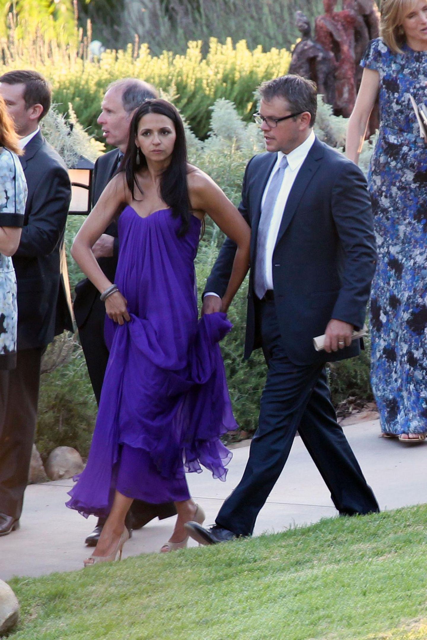 Matt Damon und seine Ehefrau Luciana Barroso haben ihre vier Kinder zu Hause gelassen, um die Kimmel-McNearney-Hochzeit zu feiern.