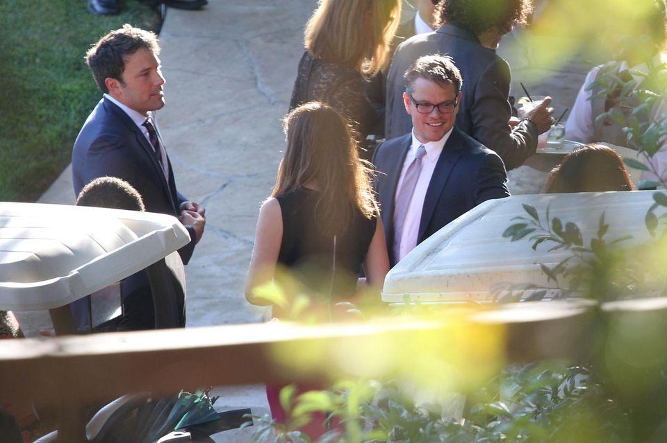 Matt Damon amüsiert sich mit seinem Kumpel Ben Affleck auf Kimmels Hochzeit.
