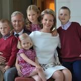 2012  Wie aus dem Bilderbuch: Beim offiziellen Familienportrait zu Weihnachten zeigt sich der enge Zusammenhalt der königlichen Familie.