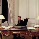 1992  Nach dem Studium der politischen Wissenschaften in Oxford und Stanford übernimmt Philippe auch offizielle Aufgaben im Königreich.