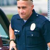 """Jake Gyllenhaal zeigt sich in """"End of Watch"""" als glatzköpfiger Polizist."""