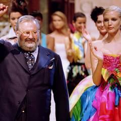 Als erster Ausländer wurde Gianfranco Ferré 1989 Chefdesigner des französischen Couturelabels. Seine modernen Kreationen ebneten den Weg für den großen Erfolg der Marke im 21. Jahrhundert.