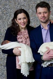 2011: Royales Glück mal zwei: Kronprinz Frederik und Prinzessin Mary haben mit den Zwillingen Josephine und Vincent gleich doppelten Grund zur Freude.