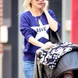 Kate Hudson hat der Pulli wohl auch gut gefallen. Sie zeigt sich damit in New York.