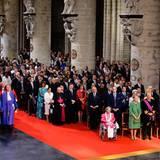Die Königsfamilie und ihre Gäste versammeln sich in der St Gudule Kathedrale in Brüssel.