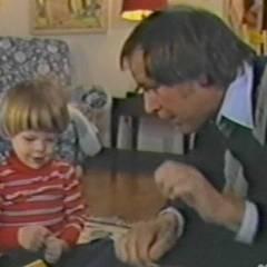 Robert Pine animierte seinen Sohn Chris schon früh vor der Kamera zu stehen.