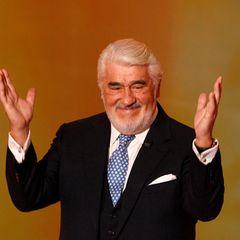 """Mario Adorf (Tagesgage 15.000 - 12.000 Euro)   Er gehört zu den Schauspiel-Urgesteinen und spielte in Filmen und Serien wie """"Die Blechtrommel"""", """"Rossini"""" und """"Der Schattenmann"""" mit."""