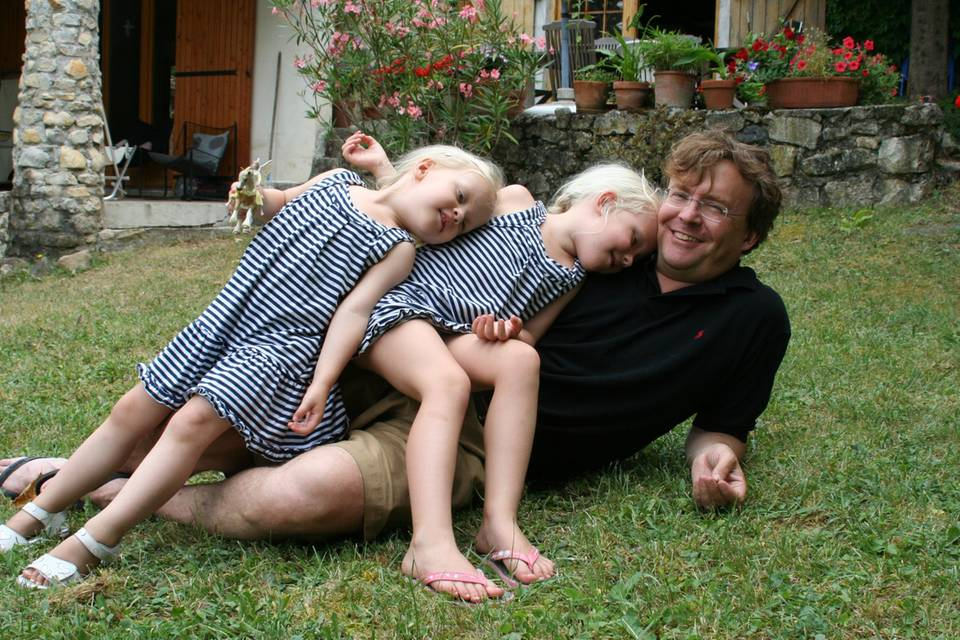 Prinz Friso als Vater mit seinen Töchtern Luana und Zaria im Jahr 2010.