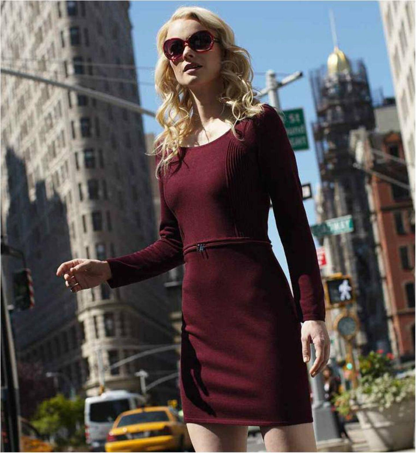Schlicht aber mit besonderen Details – das ist der New York Style. Die Trendfarbe Bordeaux gibt den neuen Herbstkleidern das gewisse Etwas.