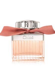Das Dufterlebnis wird nach und nach von einem Herz aus Damaszener Rosenessenz begleitet: Roses de Chloé, Eau de Toilette, 75 ml, circa 89 Euro, ab September.