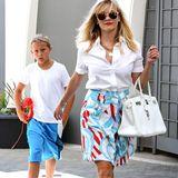 Dass Reese Witherspoon einen ausgeprägten Sinn für Mode hat, das beweist die dreifache Mutter immer wieder mit ihren stylischen Looks. Ob mit Söhnchen Deacon...