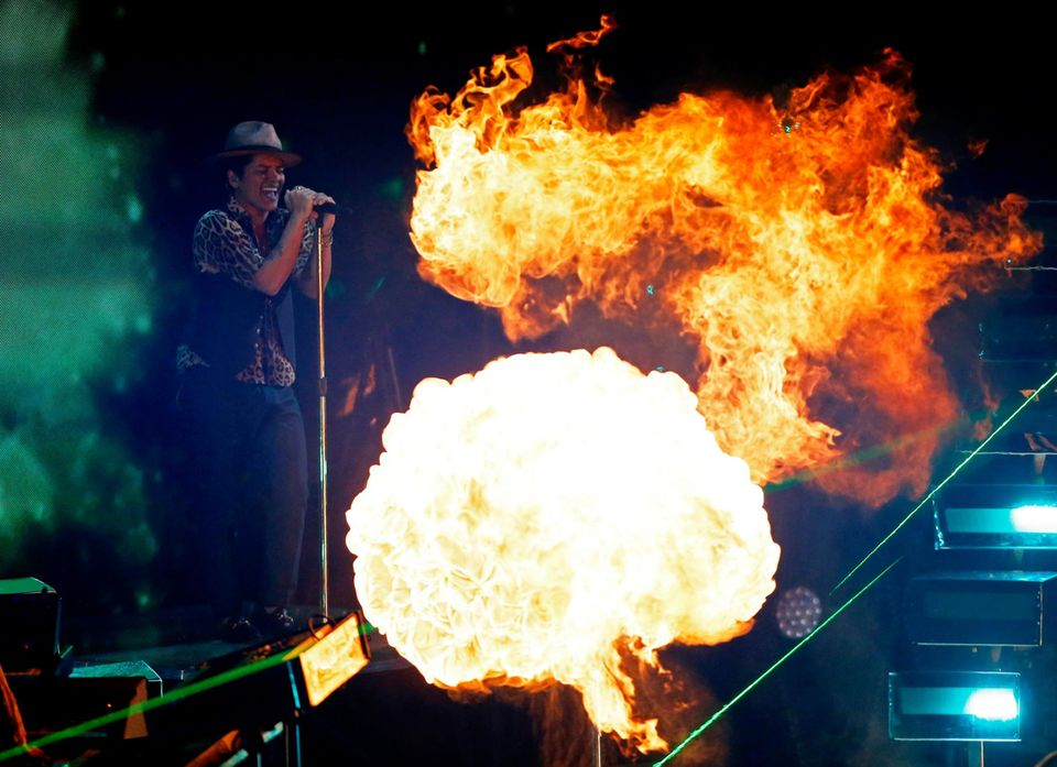"Bruno Mars (Bestes Video eines Sängers: ""Locked Out of Heaven"", Beste Choreographie: ""Treasure"")"