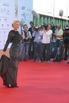 """Barbara Schöneberger moderiert die Gala zum dritten Mal. Sie liebt Radio und freut sich immer besonders, wenn """"Angels"""" von Robbie Williams oder """"We Are The People"""" von """"Empire Of The Sun"""" läuft, wie sie Gala.de verrät."""