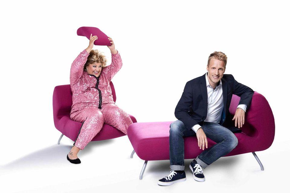 Moderiert wird die Show von den Comedians Cindy aus Marzahn und Oliver Pocher.