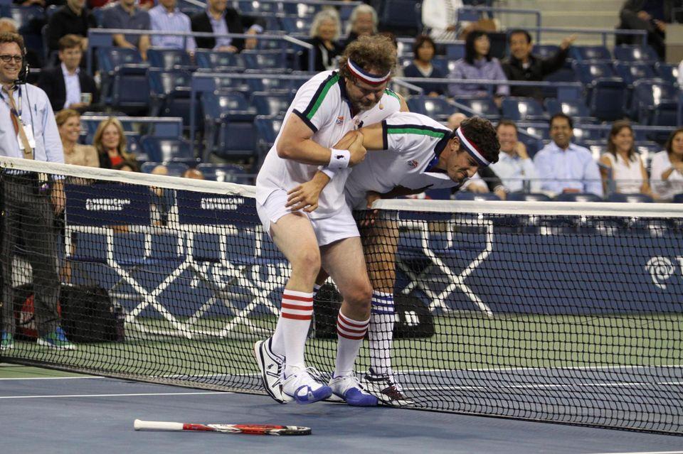 "Jason Biggs und Rainn Wilson treten beim ""Battle of the Sexes""-Schaukampf gegeneinander an."