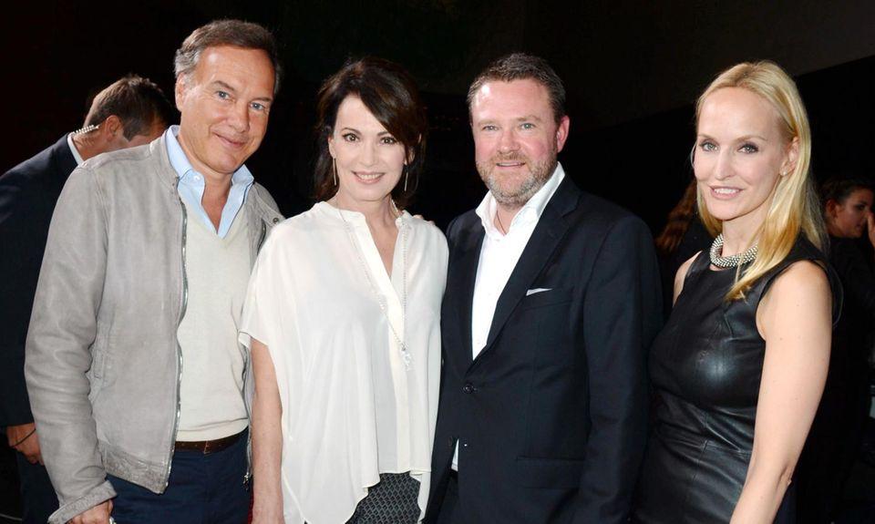 Gala lädt zum Nominiertenempfang: Nico Hofmann und Iris Berben feiern mit Gala-Chefredakteur Christian Krug und Anne Meyer-Minnemann im Grand Hyatt.