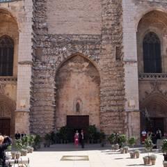 Die prachtvolle Basilika in Saint-Maximin-la-Sainte-Baume ist im gotischen Stil gebaut.