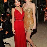 Selena Gomez wirkt groß? Nicht, wenn sie neben ihrer Freundin Taylor Swift steht. Die gehört mit ihren 177 Zentimetern zu den großen Frauen im Musikbusiness.