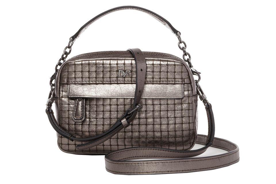 Fast quadratisch, praktisch, gut – und sehr edel! Tasche von Diane von Furstenberg, ca. 250 Euro