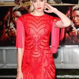 Jena Malone präsentiert sich in Kleid von Monique Lhuillier.