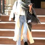 Nicht immer verließ Ashley Olsen ihre Wohnung im heruntergekommenen Schlabber-Look. Denn selbst wenn ihre Mäntel und Halstücher schon immer etwas oversized waren, versprühten diese immer noch den perfekten Mix aus Klasse und Coolness.