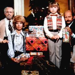 """""""Weihnachten bei Hoppenstedts""""  Mit Loriots """"Familie Hoppenstedt"""" können Sie zum Weihnachtsfest ihre Lachmuskeln trainieren."""
